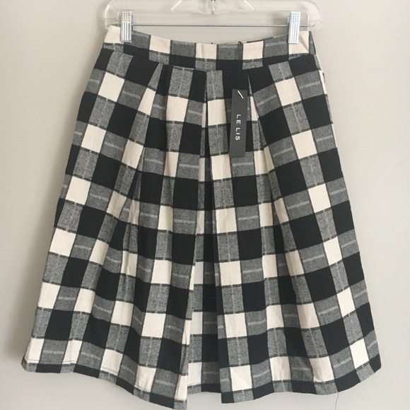 c8a1a30ad0 New Le Lis Black and White Check Pleated Skirt